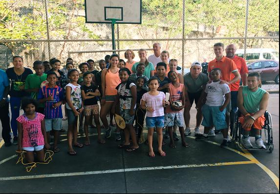 Das DOJL gemeinsam mit brasilianischen Jugendlichen aus den Favelas