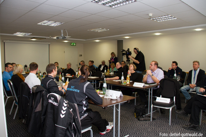 04_pokalfinale-pressekonferenz_2013-02-23_foto-detlef-gottwald-0106a.jpg
