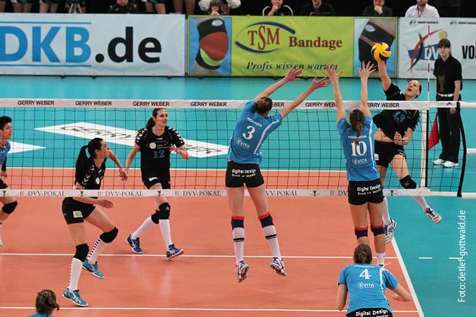 a0422_dvv-pokalfinale_2013-03-03_vcw-schwerin_foto-detlef-gottwald.jpg