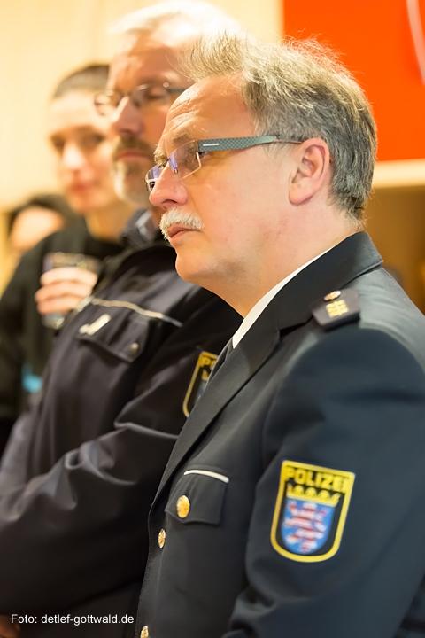 vc-wiesbaden_polizei-hessen_zwergnase_scheckuebergabe_2014-01-21_foto-detlef-gottwald-0128a.jpg