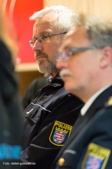 vc-wiesbaden_polizei-hessen_zwergnase_scheckuebergabe_2014-01-21_foto-detlef-gottwald-0134a.jpg