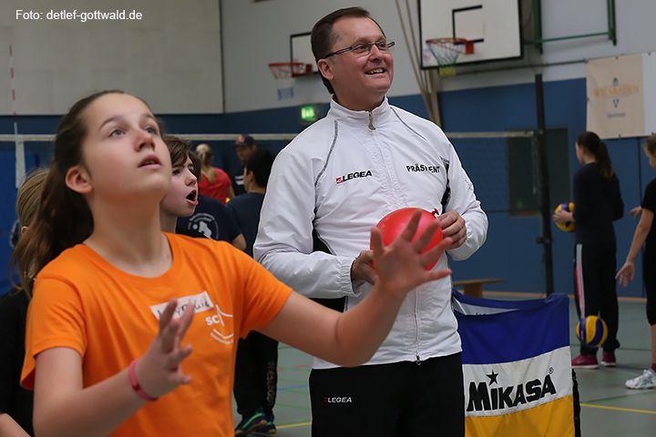 volleyballtraining-mit-stars_2014-02-08_foto-detlef-gottwald-0819a.jpg