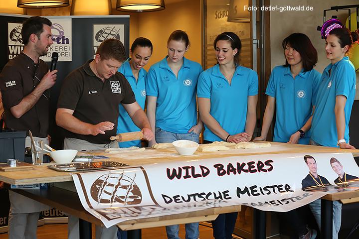 jubilaeum-backhaus-schroeer_vcwiesbaden_wild-bakers_2014-03-30_foto-detlef-gottwald-0221a.jpg