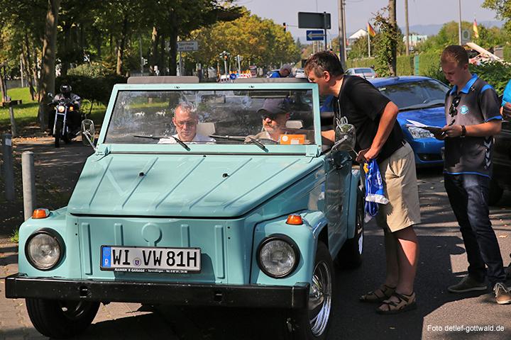 vcw_autokorso_umzug-in-die-neue-halle_foto-detlef-gottwald-0008a.jpg