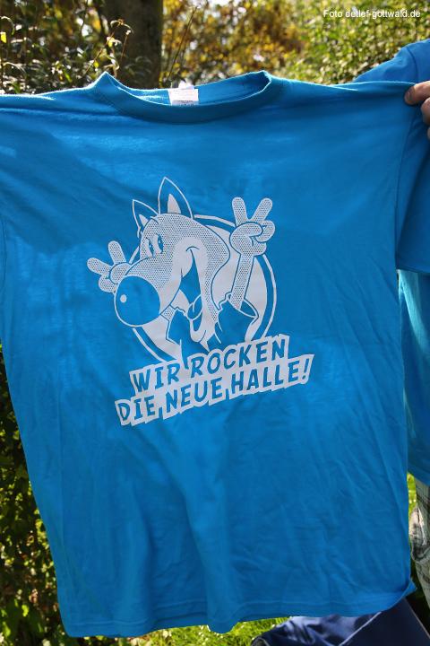 vcw_autokorso_umzug-in-die-neue-halle_foto-detlef-gottwald-0103a.jpg