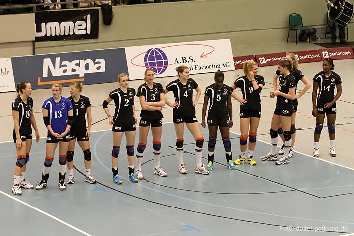 vcw-schwerin_playoff-halbfinale_spiel2_2013-04-18_foto-detlef-gottwald-0071a.jpg