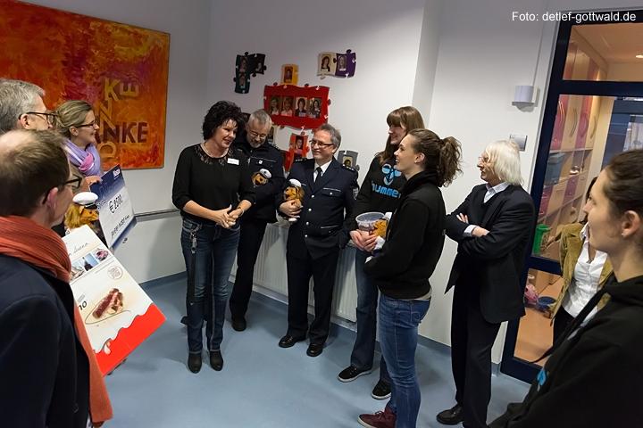 vc-wiesbaden_polizei-hessen_zwergnase_scheckuebergabe_2014-01-21_foto-detlef-gottwald-0056a.jpg
