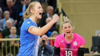 Tanja Großer (links) ist gemeinsam mit Teamkollegin Lisa Stock (rechts) für ihre neunte Spielzeit beim 1. VC Wiesbaden weiterverpflichtet (Archivbild). Foto: Detlef Gottwald
